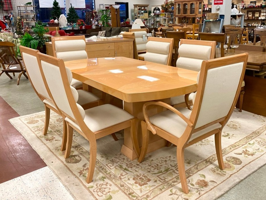 italian made lacquer dining table