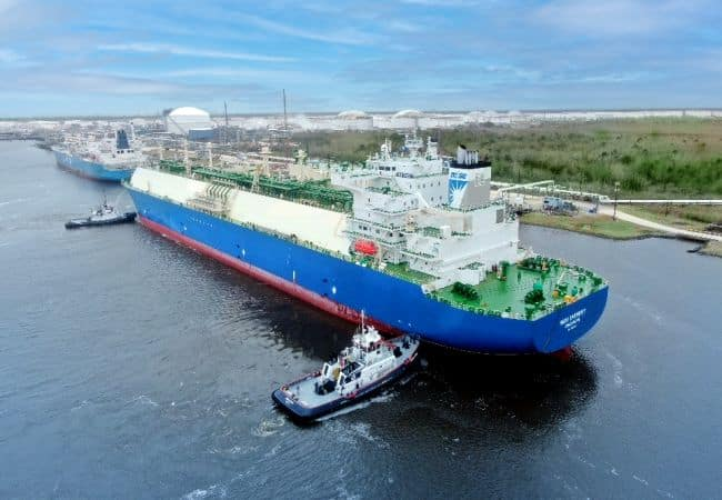 The Seri Everest at Energy Transfer's Nederland Terminal (Photo Business Wire)