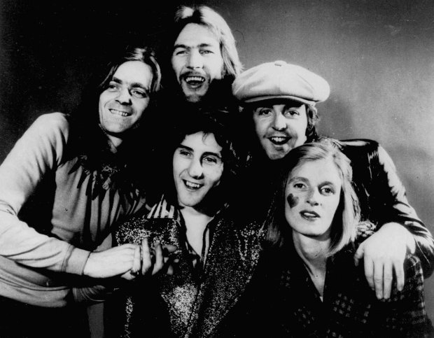 Denny Laine of Wings brings 'Band on the Run' to Mill Valley