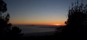 Fotografia del Golfo di Napoli visto al tramonto dal Vesuvio