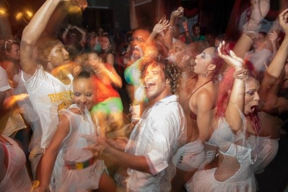 Discoteca, baile de champeta