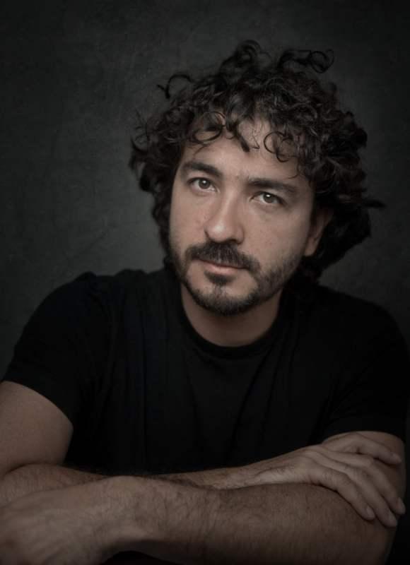 Mario Carvajal, fotógrafo colombiano, especializado en imágenes para la realidad virtual (VR). Sitio web: www.mariocarvajal.com