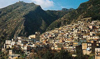 A San Luca, niente ritorno alla democrazia