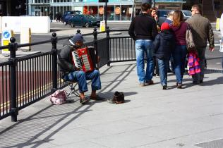 Man playing the accordion in Liverpool