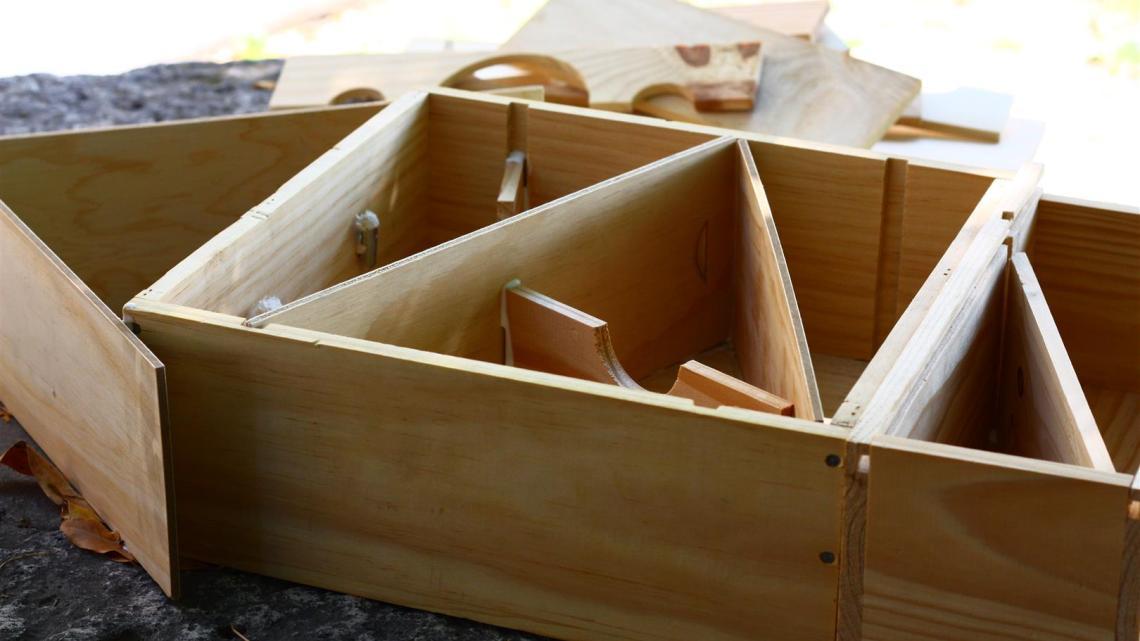 Recycler des caisses en bois : Fabrication d'une cabane à insectes