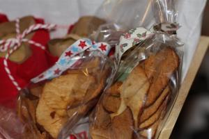 photo de chips de pommes cannelle