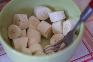 bananes coupées en morceaux