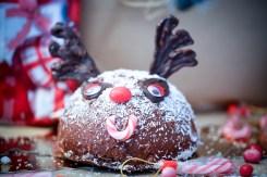 Dôme-de-Noël-Mousse-Chocolat-aux-Griottes-&-Brownie-aux-Noisettes-rudolf-renne-foret-noire (4 sur 6) (Large)