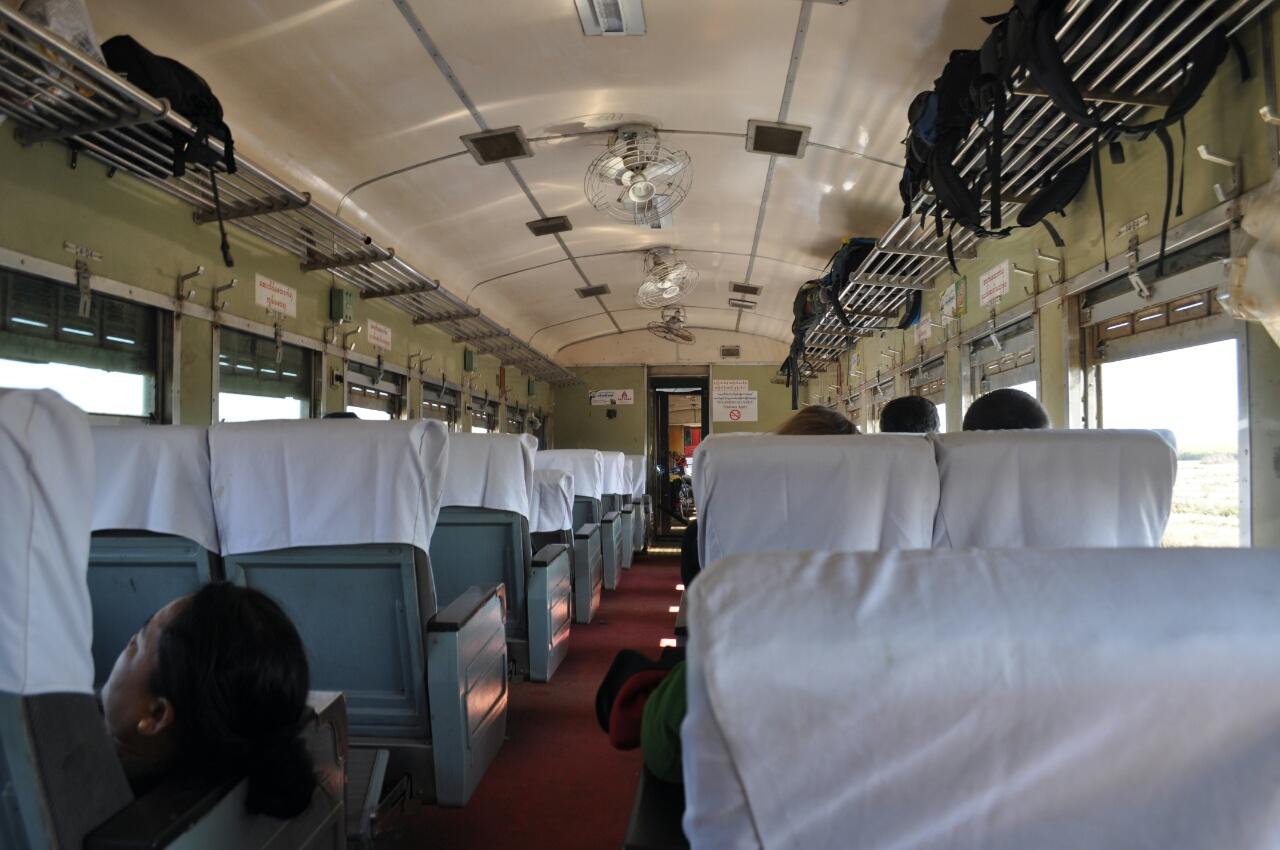 Train Mandalay Hsipaw : un trajet d'une autre époque