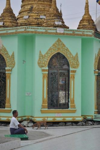 Prière Botataung Yangon