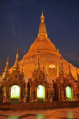Yangon Paya Shwedagon de nuit