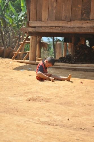 Enfant Phonsavan