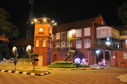 Melaka place rouge by night