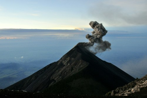 Eruption_volcan_Fuego-1