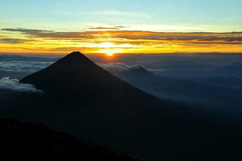 Lever_de_soleil_volcan_Agua