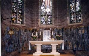 Michaëlkerk 014 - Sacramentsaltaar & wandreliëf