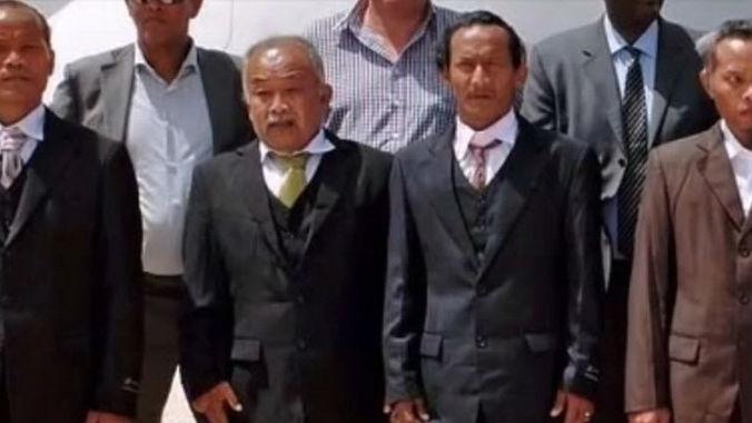 Thai fishermen held hostage