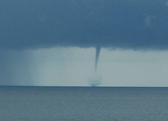6 Facts about Waterspouts at Sea