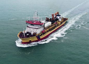 First European Dredger Converted To Dual-Fuel LNG / MGO Departs DSDu For Work