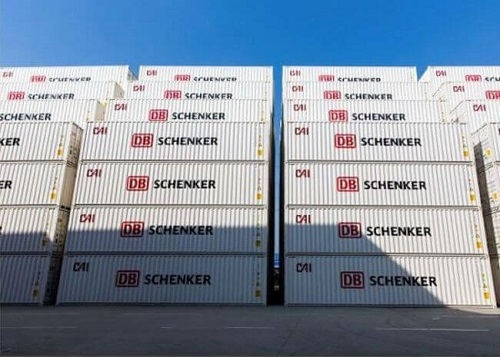 Maersk And DB Schenker To Fight Against Ocean Pollution & CO2 Emissions 1
