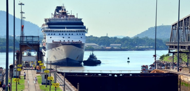Canal de Panamá movió un 22 % más de tonelaje durante el año fiscal 2017