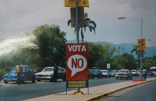 referendum-caracas-2004
