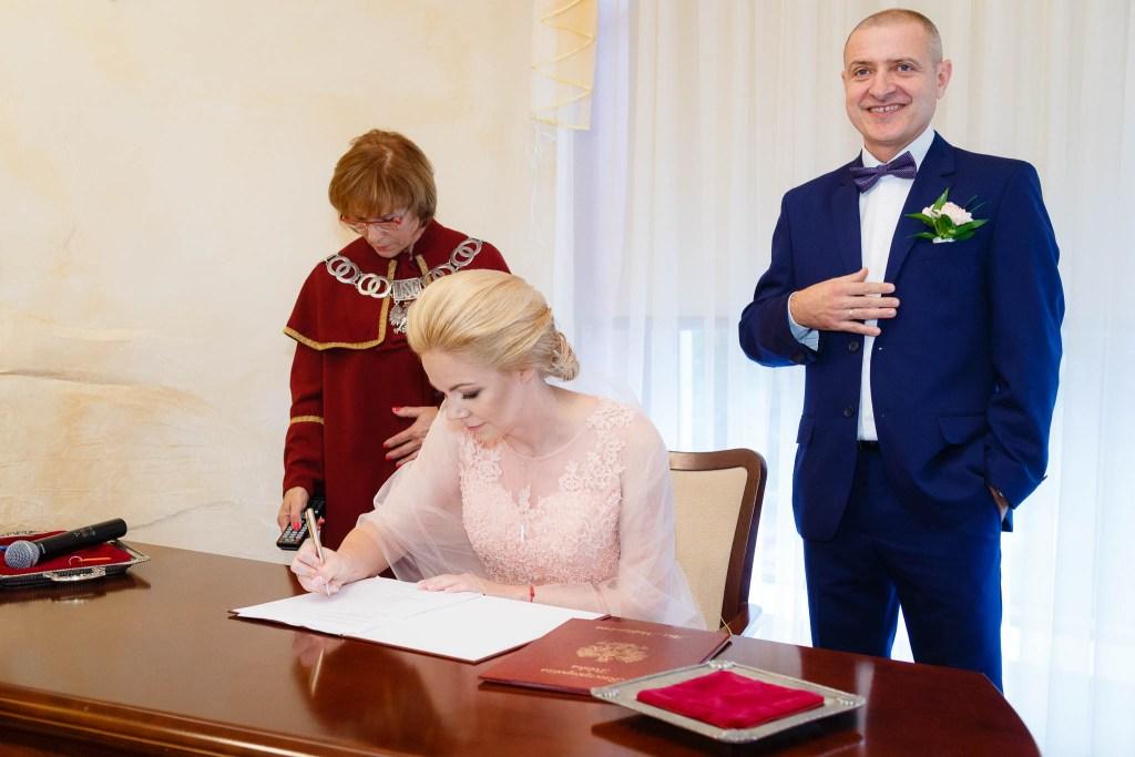 zdjęcia-ślubne-urzad-miasta-legionowo-mariusz-kaszuba