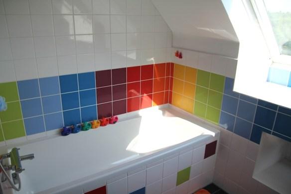 rainbow_bathroom14
