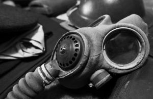 gas_mask_bw_sm.jpg
