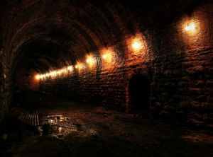 red_brick_tunnel_sm.jpg
