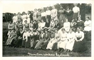 Lydbrook-Munitions-Workers.jpg