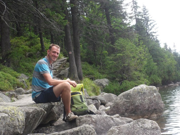 Isolation (and some food) on the trail around Morskie Oko
