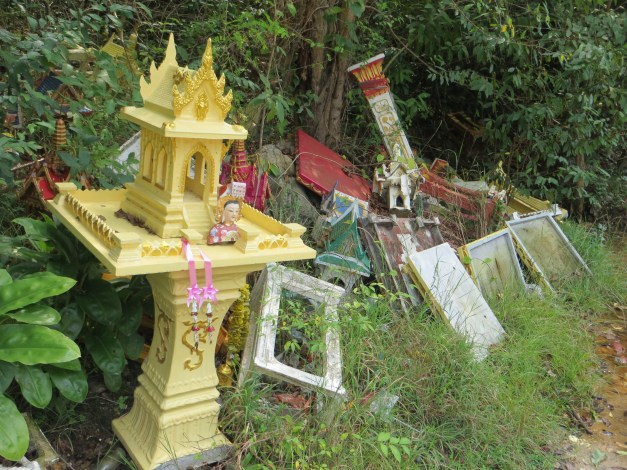 Religious shrine graveyard, Ko Samet