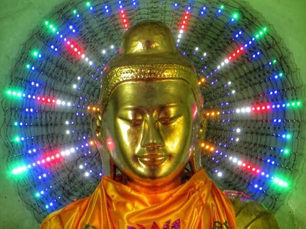 Buddha dazzles in the Shwedagon Pagoda