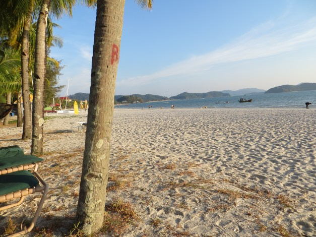And this is the view from our beach chairs in the late afternoon. As I said, nothing to complain about.