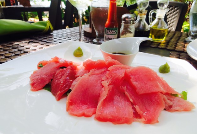The extremely fresh tuna sashimi at La Casita de Marisco