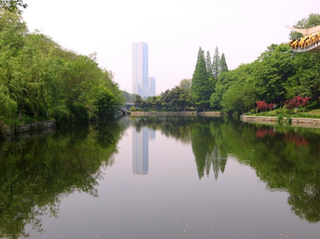 Part of the Huancheng Parkway, the gem of Hefei