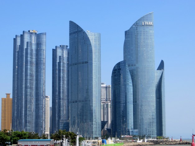 This is the brilliant Haeundae I'Park, not far from our hotel. The tallest tower is 80 stories, while one of the other towers includes the Park Hyatt hotel. We expected to see this kind of striking design in Seoul, but found it in Busan.