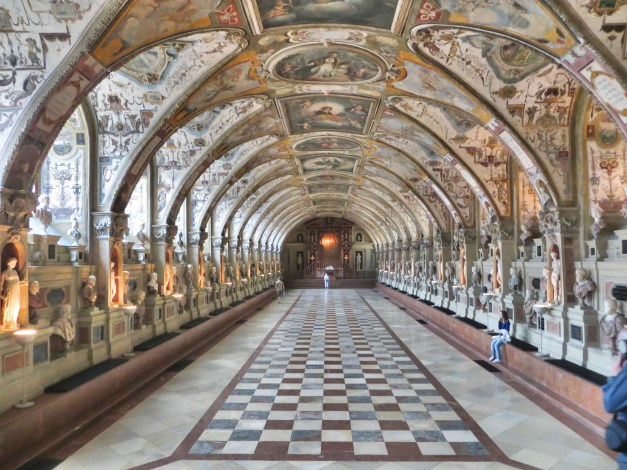 One of our big tourist outings was the Residenzmuseum, home to Bavaria's ruling family for centuries. It was bombed to smithereens during WWII but has since been rebuilt and is gorgeous, as this view of the Antiquarium only hints at.
