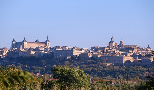 Another view of Toledo, this one from my afternoon walk along the Tagus River. I so wanted to see the swirling clouds and melting buildings from El Greco's vision, but it just wasn't there.