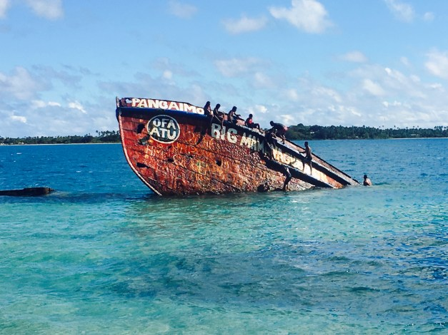 This old wrecked ship is the landmark of Big Mama's Yacht Club on Pangiamotu Island, where we spent our Sunday