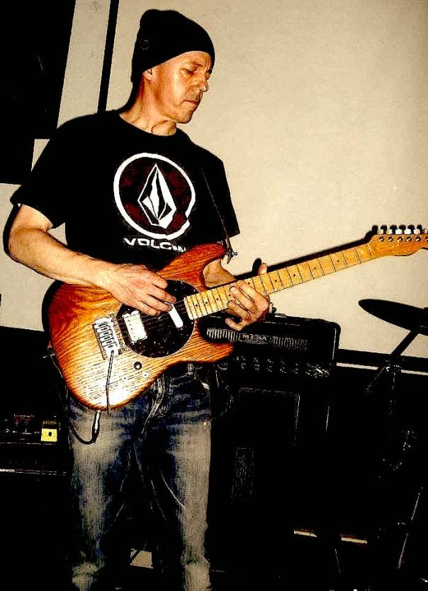 player of guitar mark dobis toronto