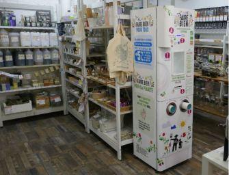 Le premier distributeur de yaourt en magasin est signé Danone
