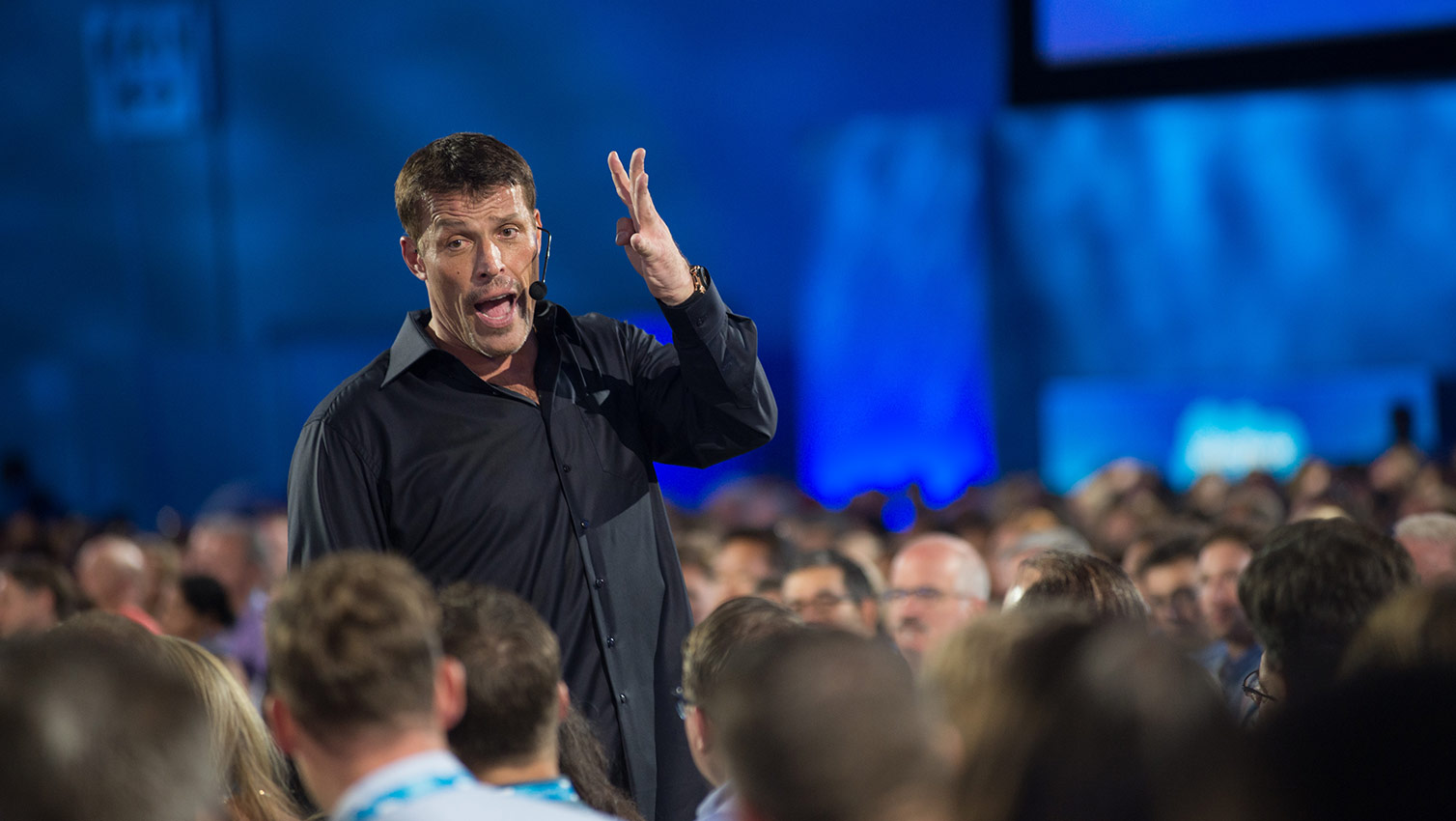 The Power Of Engagement Tony Robbins Inspires At Df14