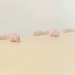 Fiat apuesta por el alto impacto con un anuncio de una orgía de cerebros