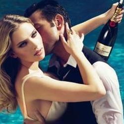 La nueva campaña de verano de Moët & Chandon lleva el rostro de Scarlett Johansson