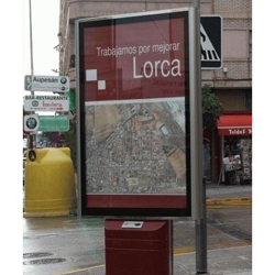 El Ayuntamiento de Lorca da un ultimátum para retirar la publicidad del mobiliario urbano