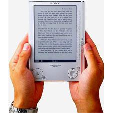 Internet salva a la pequeña librería y potencia los e-books