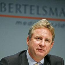 "Harmut Ostrowski (Bertelsmann): ""La digitalización ahorra muchos costes"""