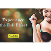 Un anuncio de Wonderbra en 3D revive la magia que tuvo la marca en los 90